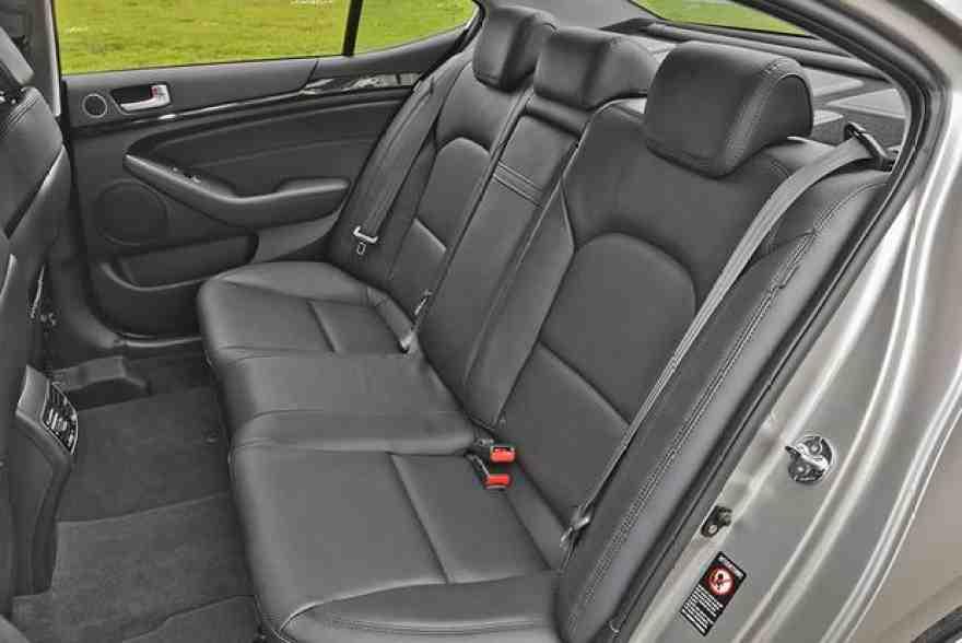 2014 Kia Cadenza: Used Car Review