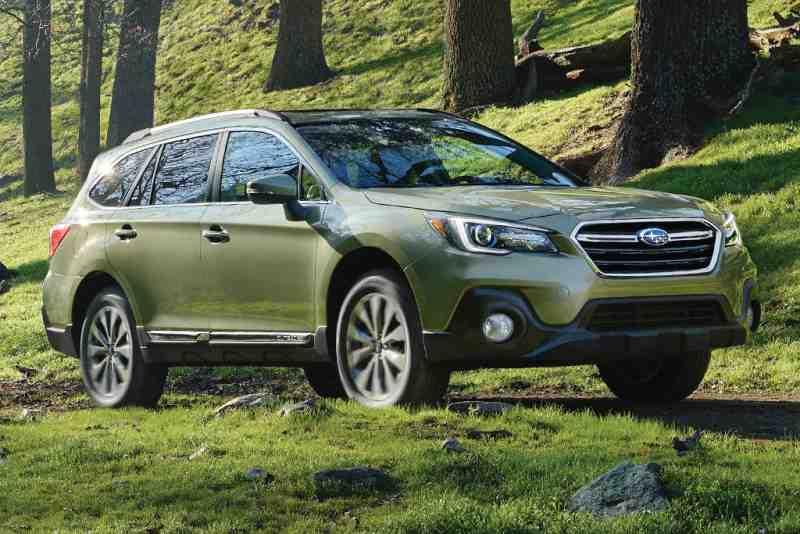 2018 Honda CR-V vs. 2018 Subaru Outback: Which Is Better?