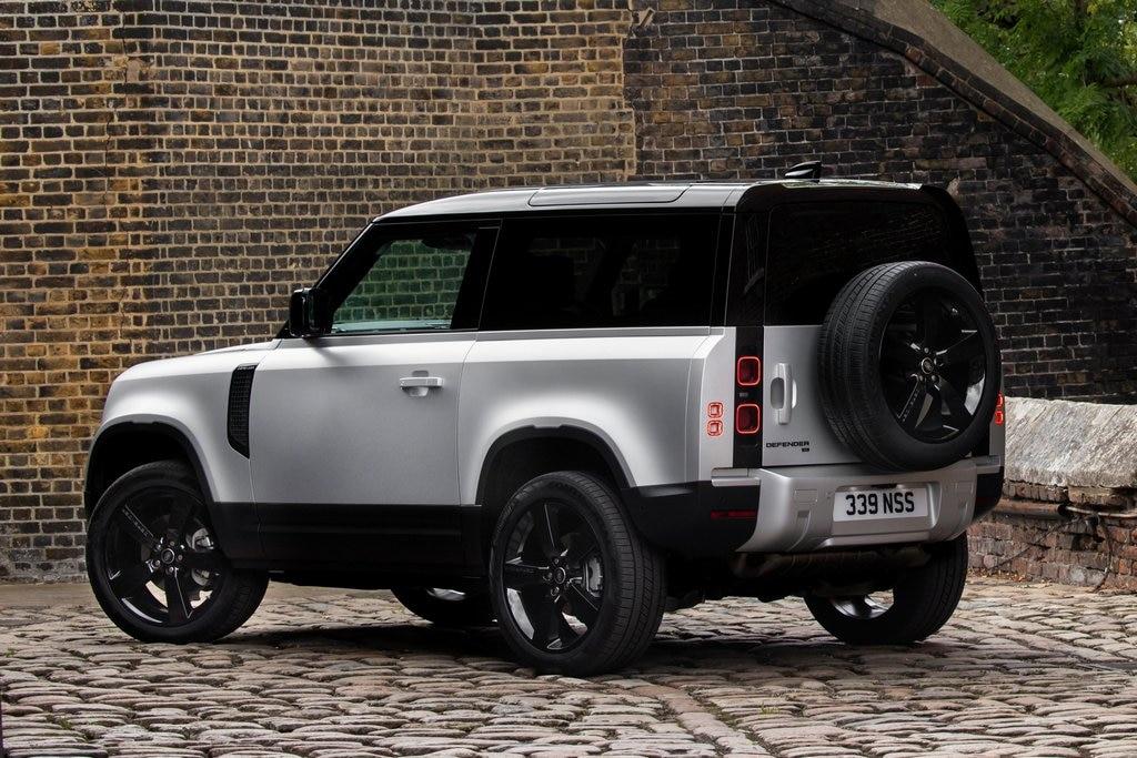 2021 Land Rover Defender Review - Autotrader
